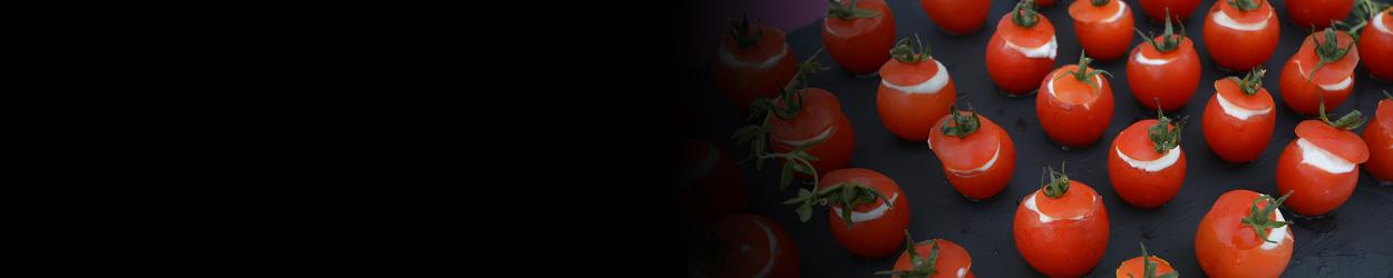 Tomates cerise farcies à la mousse de chèvre frais